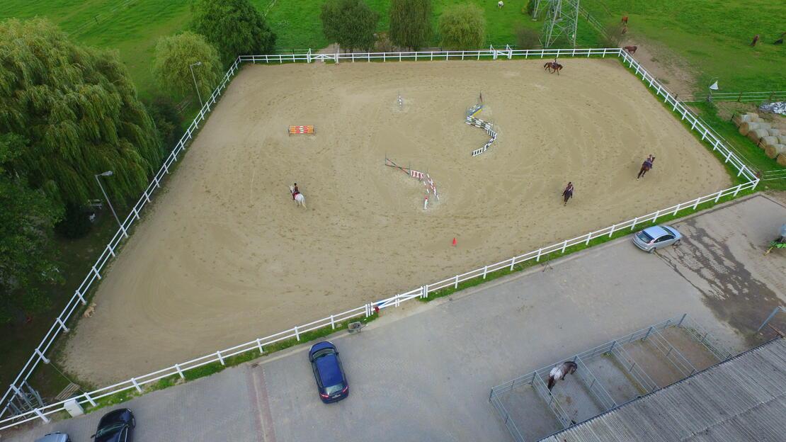Springplatz 50 x 60 m