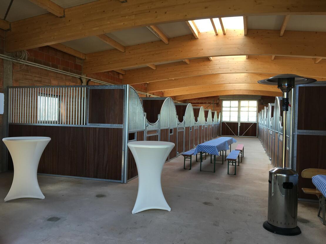 Der neu Stall mit 3.5x3,5m Boxen und 6x3,5m Padock