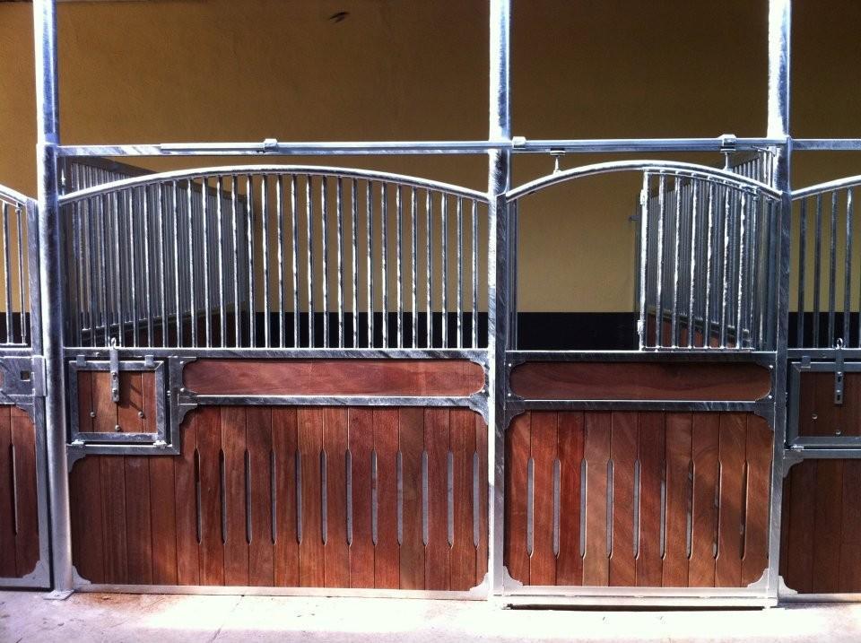 16qm Große Boxen von der Firma Meyer Pferdeboxen