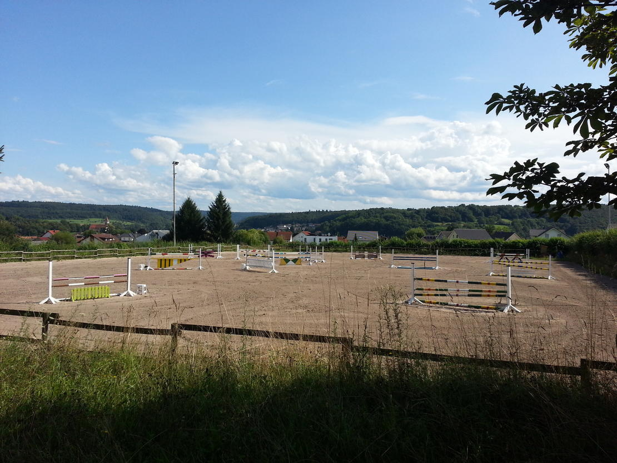 Reit-/Springplatz 45 x 70m